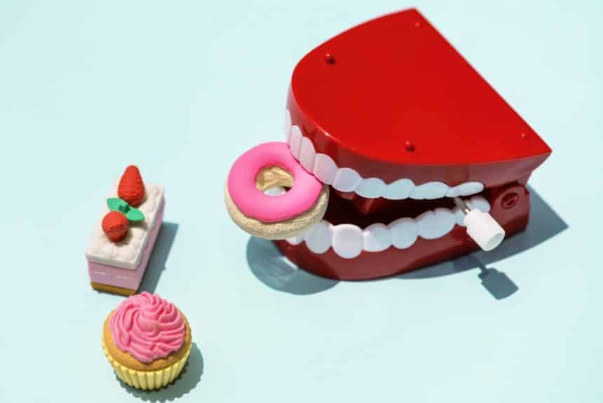 Bad Habits That Cause Tooth Problems