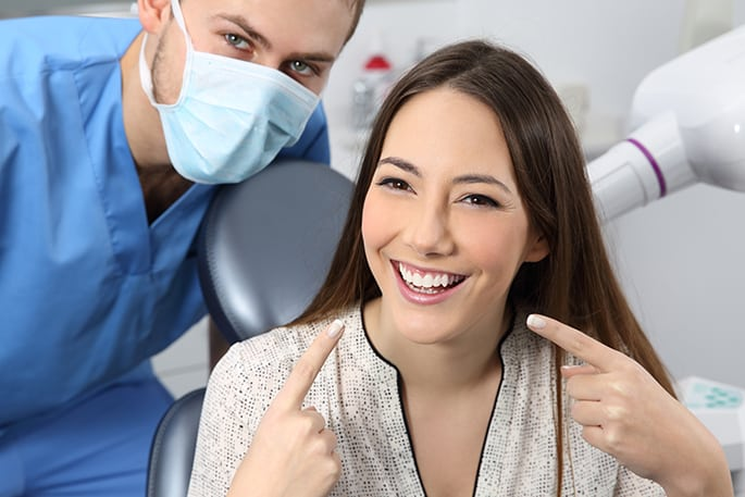 Types of Cosmetic Dentistry - Bleaching Teeth & Cosmetic Veneers